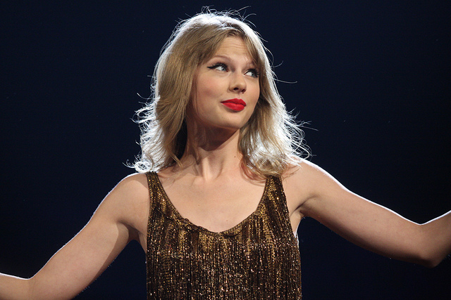 Apple Is Reportedly Buying Taylor Swift's Label