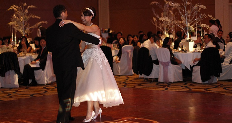 Brides Are Telling Wedding Djs Not To Play These Songs