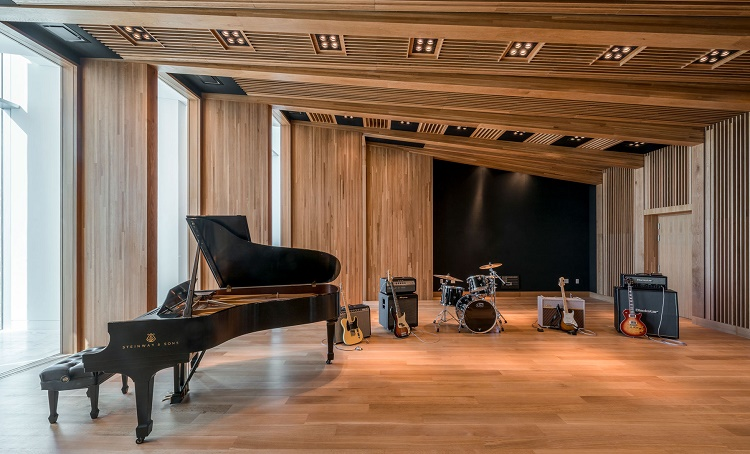 Check Out Charles Goldstuck 39 S Posh Recording Studio In The Bahamas