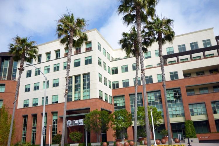 Universal Music Group (UMG) headquarters, Santa Monica, CA (photo: coolcaesar CC 3.0)