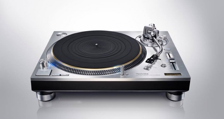 Technics SL-1200 Turntable Sells Out In Just 30 Minutes