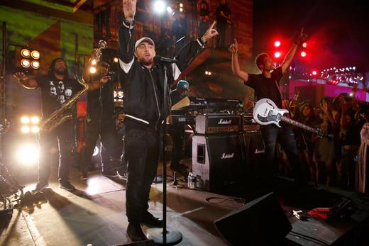 Mac Miller, performing in Downtown Los Angeles , 2016 (photo: MTV)