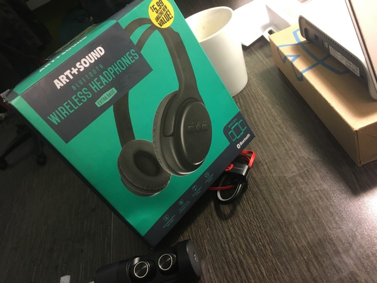 These 99 Cent Store Wireless Headphones Are Pretty Damn Good