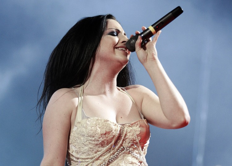 Evanescence Got Sued for $1.5 Million by their Former Manager. The Judge Decided to Give the Band $1 Million.