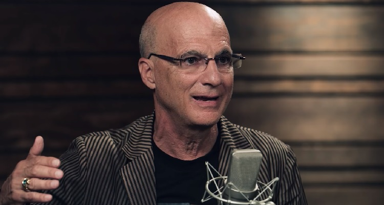 Jimmy Iovine May Not Be Leaving Apple, After All