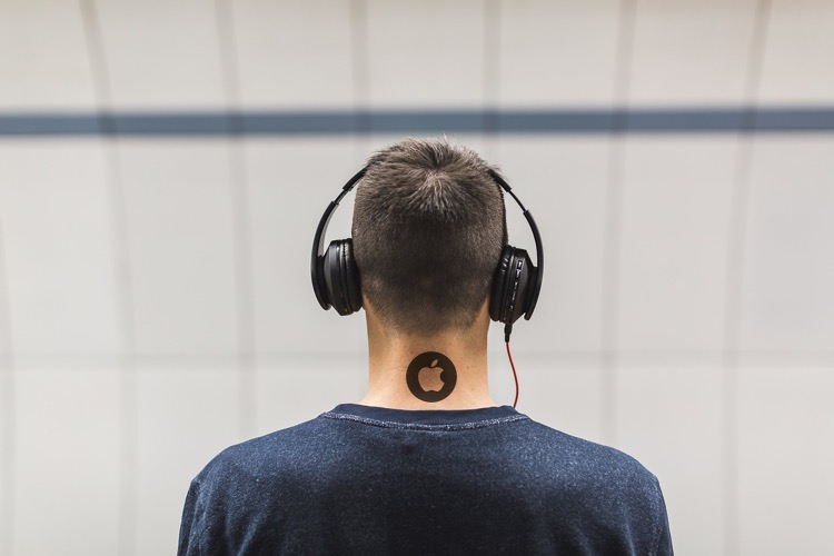 After Acquiring Beats for $3 Billion, Apple Decides to Develop Its Own Pair  Headphones