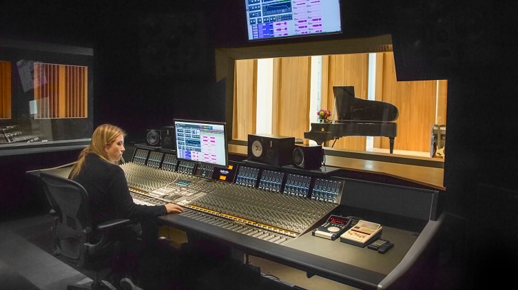 Check Out Charles Goldstuck's Posh Recording Studio In the Bahamas