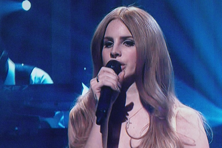 Lana Del Rey Cancels Israeli Performance Amidst Heavy Political Pressure