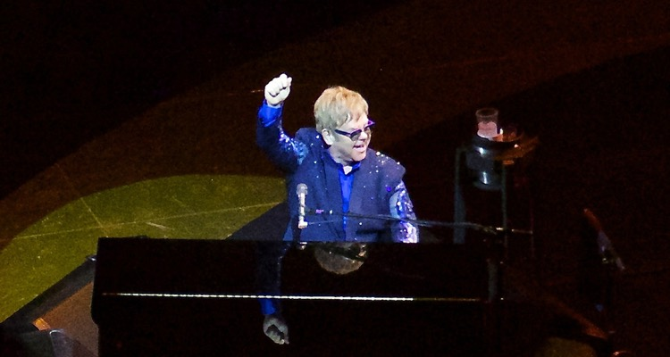 Elton John Inks a Deal With Universal Music 'For the Rest of His Career'