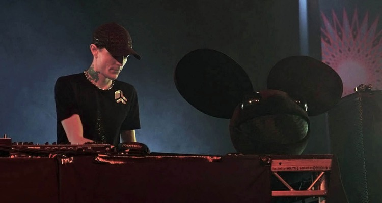 Deadmau5 Blows Up And Quits Twitch Over Homophobic Slur