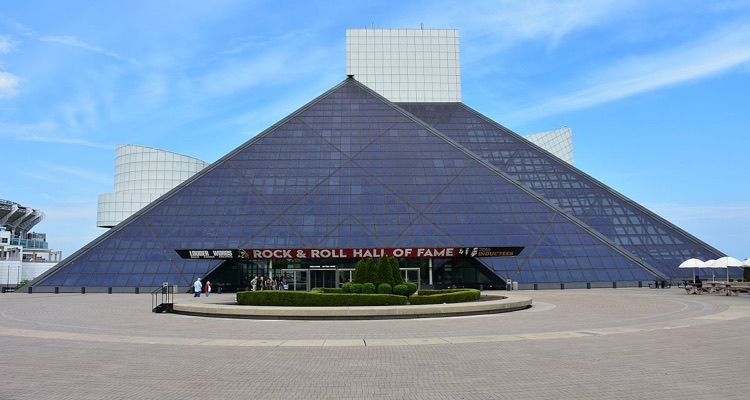 Rock And Roll Hall Of Fame Refuses To Remove Michael Jackson Memorabilia