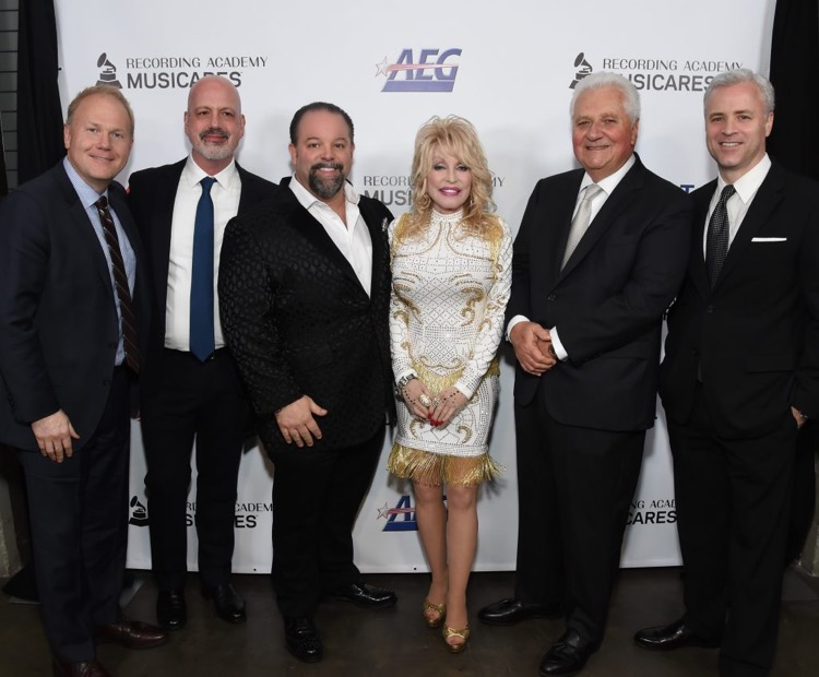 (l to r) Troy Tomlinson (Sony/ATV Nashville President/CEO), Bruce Scavuzzo (Sony/ATV SVP, Business & Legal Affairs), Danny Nozell (CTK Management CEO), Dolly Parton, Martin Bandier (Sony/ATV Chairman and CEO) and Brian Monaco (Sony/ATV President, Global Chief Marketing Officer). Photo: Michael Kovac