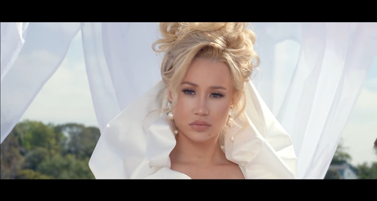 Iggy Azalea Plans Criminal Charges Over Topless Photo Leaks
