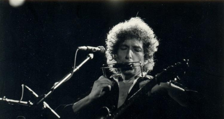 Netflix's Bob Dylan Biopic, 'Rolling Thunder Revue,' Is