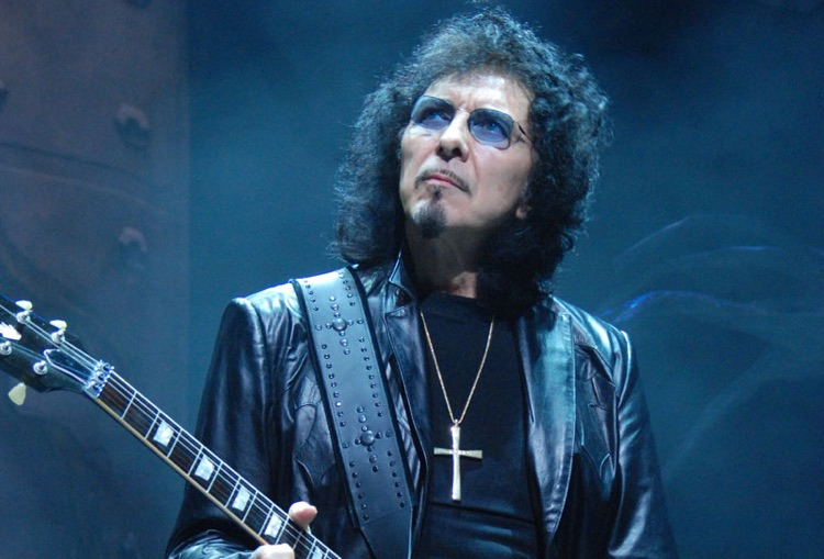 Tony Iommi performing with Heaven and Hell (photo: Adam Bielawski CC by SA 3.0)