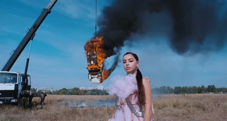 Charli Xcx Denies Damaging The Environment In Her 'white Mercedes' Video
