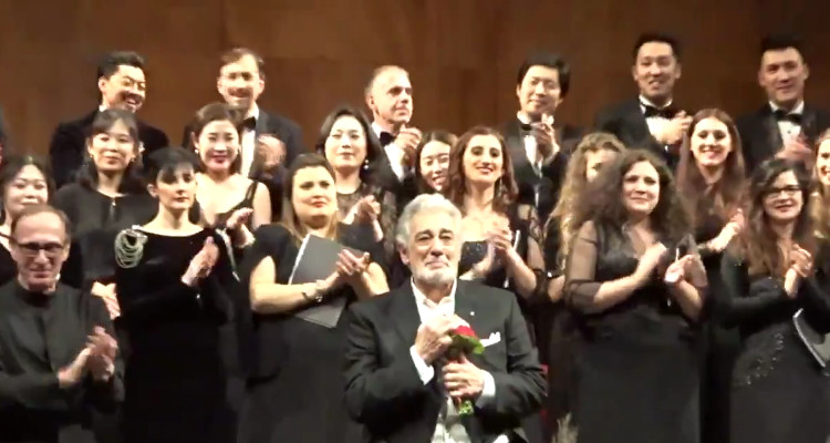 Plácido Domingo Receives 30 Minute Standing Ovation in Milan