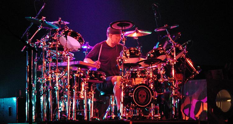 Legendary Rush Drummer Neil Peart Passes Away