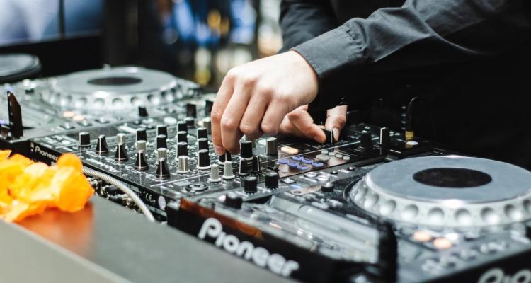 Pioneer DJ to AlphaTheta
