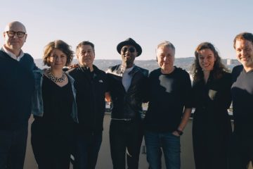 (l to r) Thomas Scherer, EVP Repertoire & Marketing, BMG LA; Feline Moje, Director Recorded Music GSA; Fred Casimir, EVP Global Recordings; Aloe Blacc; Hartwig Masuch, CEO BMG; Dominique Casimir, EVP Continental Europe Repertoire & Marketing; Jason Hradil, SVP Global Repertoire (photo: BMG)