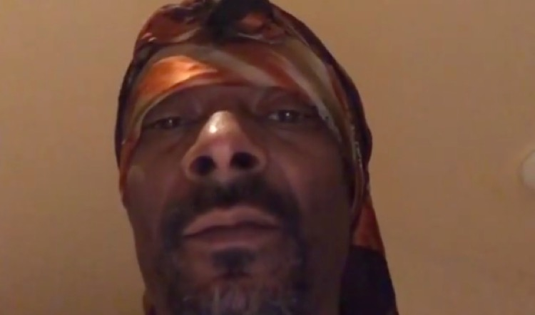 Snoop Dogg issuing threats against Gayle King on Instagram.