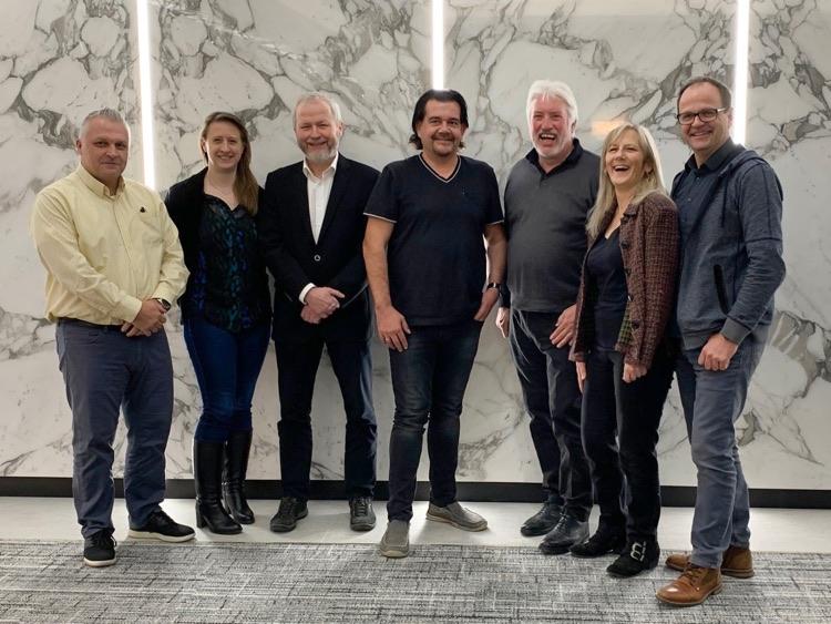 Vinyl Alliance: (l-r) Kurt Van Scoy, Nike Koch, Leif Johannsen, Günter Loibl, Thomas Neuroth, Mickie Steier & Michael Hosp