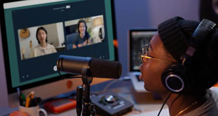 Musicians interacting on a dedicated video chat (photo: LANDR)