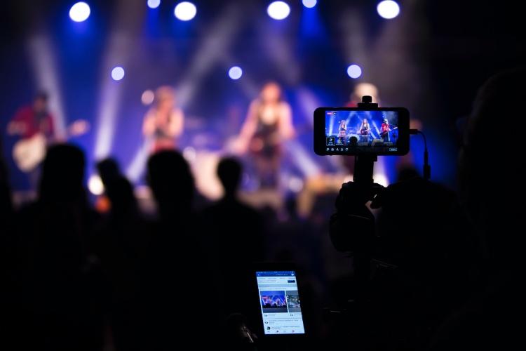 How to Livestream (photo credit: Nicolas LB)