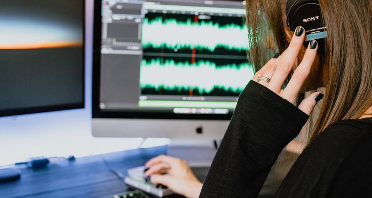 what is lossless audio compression