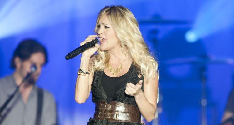 Carrie Underwood anti-mask tweets